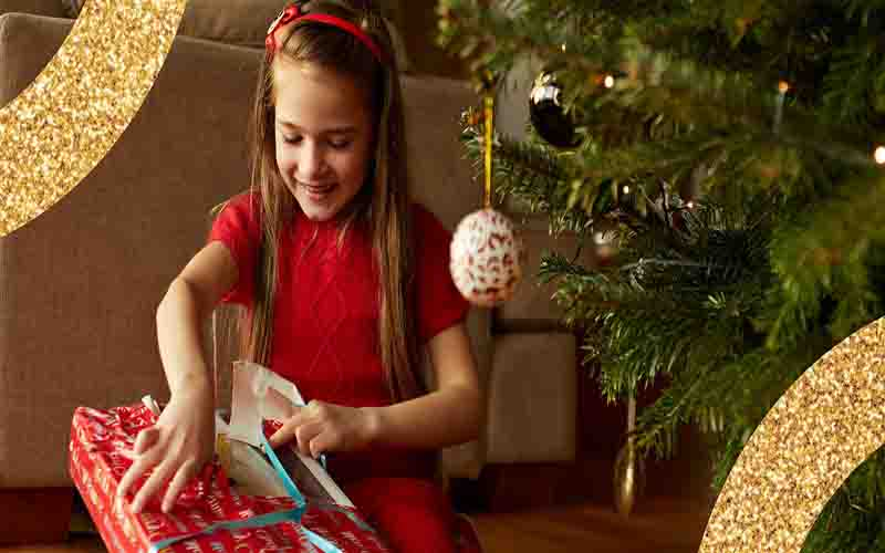 Create A Chain Of Happiness By Giving These Awesome Gifts On Christmas Day