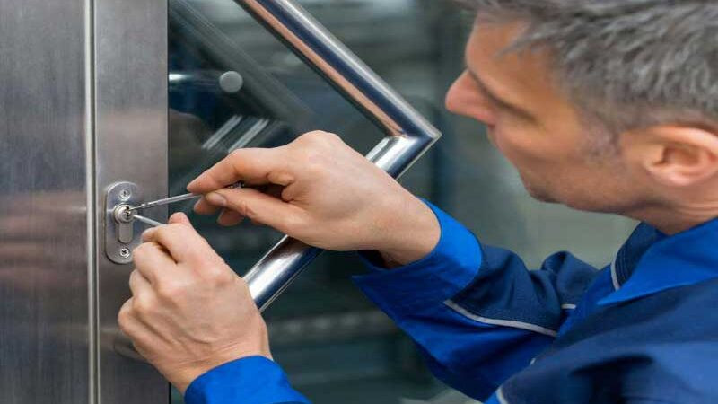 Finding the Right Locksmith: What You Need to Know