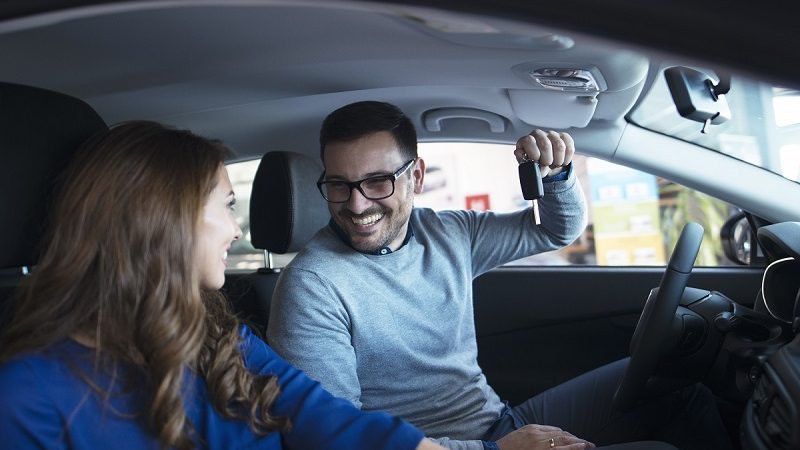 Why The Trend Of Opting Self Drive Car Rental Is Rising For Weekend Trips