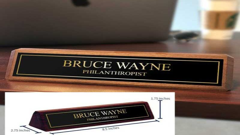 Four Crucial Reasons Why Your Employees Need Desk Name Plates?